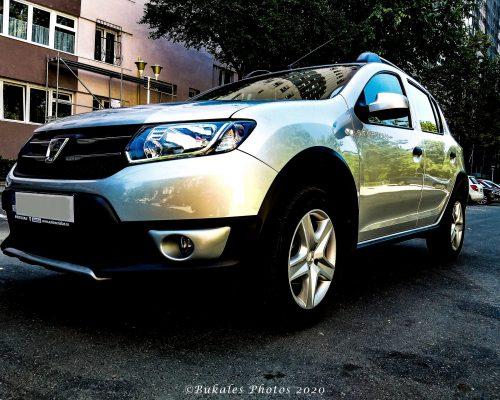 Dacia Sandero Stepway side-front view Bukales Photos
