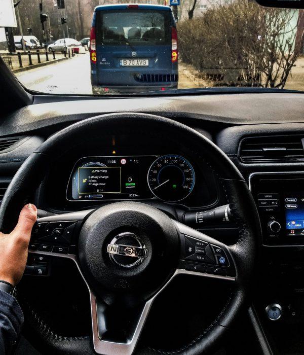 Nissan Leaf interior 2 Bukales Photos